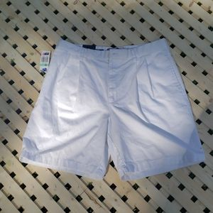 Chaps pleat front shorts size 34